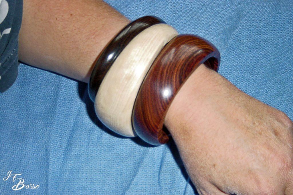 Bracelets ovales en bois précieux