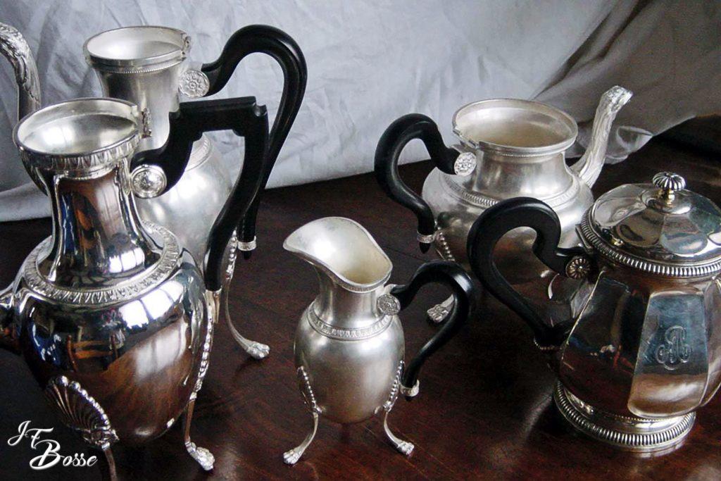 Fabrication d'anses en ébène du Gabon pour cafetières, théières, crémiers...