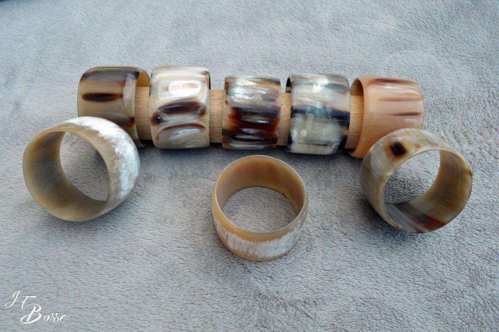 Bracelets en corne blonde jaspée