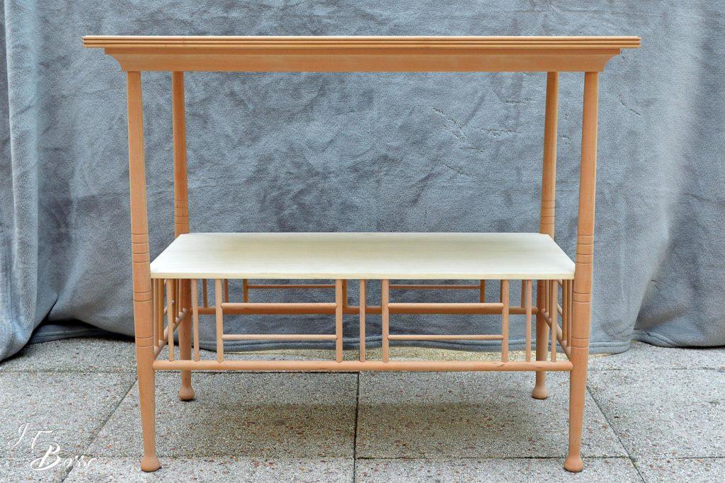 Tournage et façonnage d'une petite table en poirier