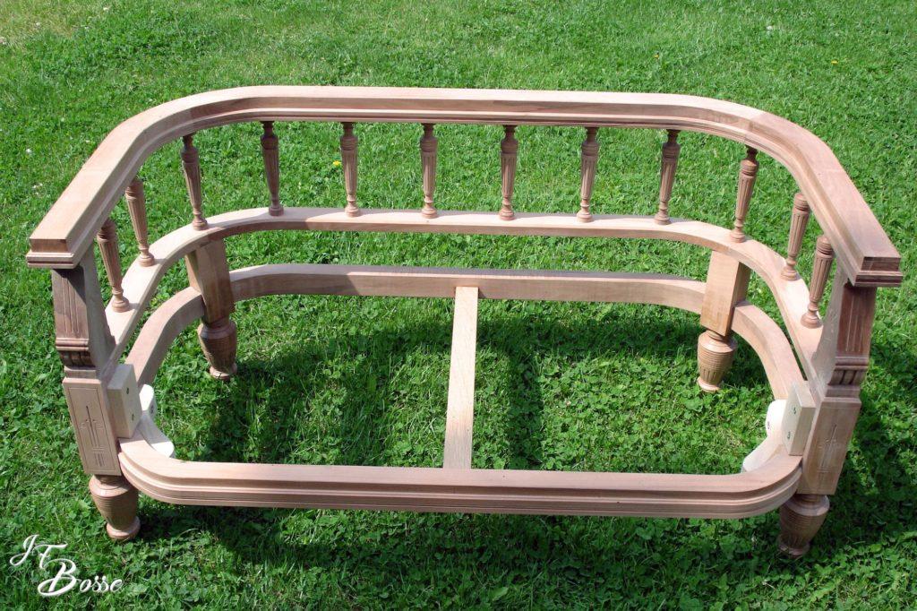 Fabrication structure bois d'une banquette pour tapissier