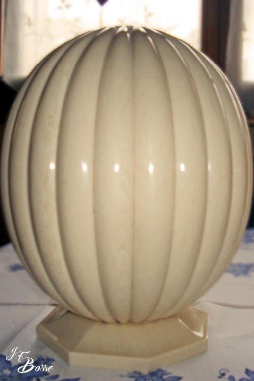 Pied de lampe en résine alternative imitation ivoire